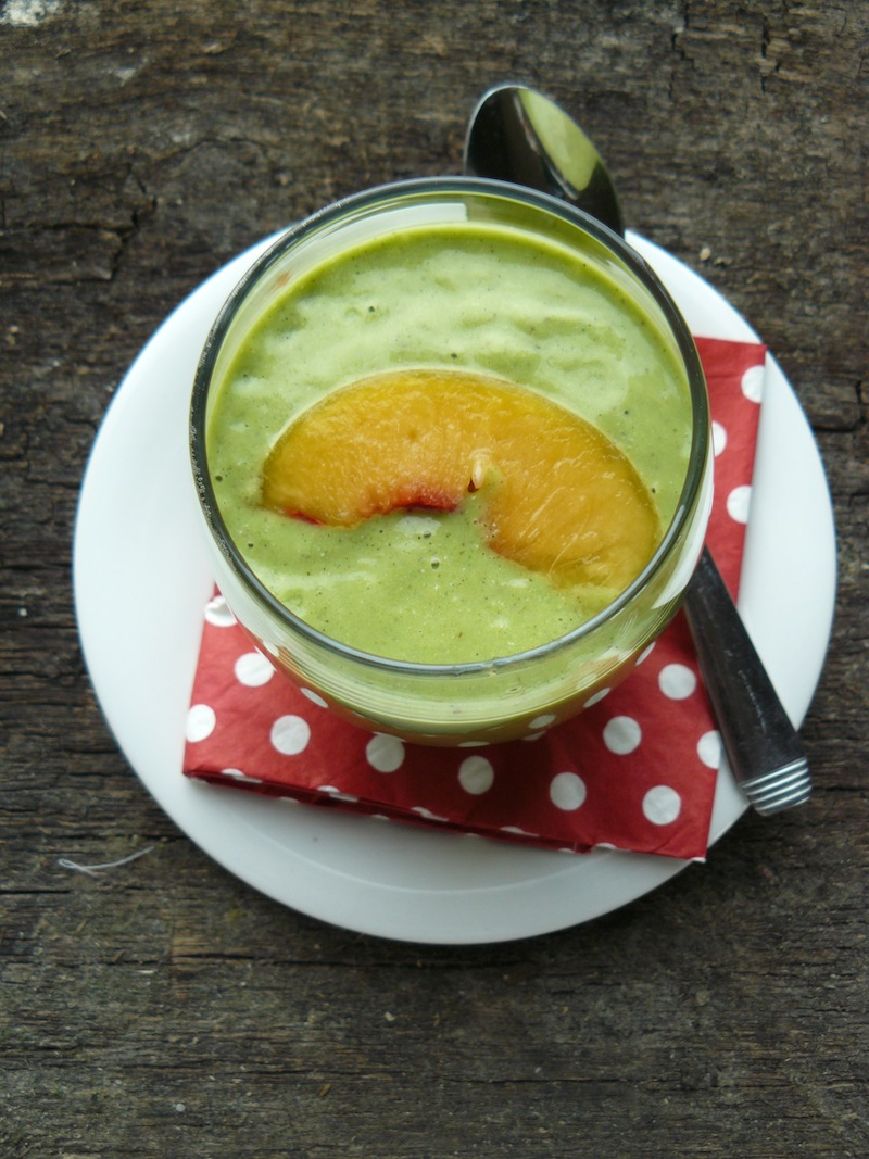 Peaches & Green Smoothie - insideblog small